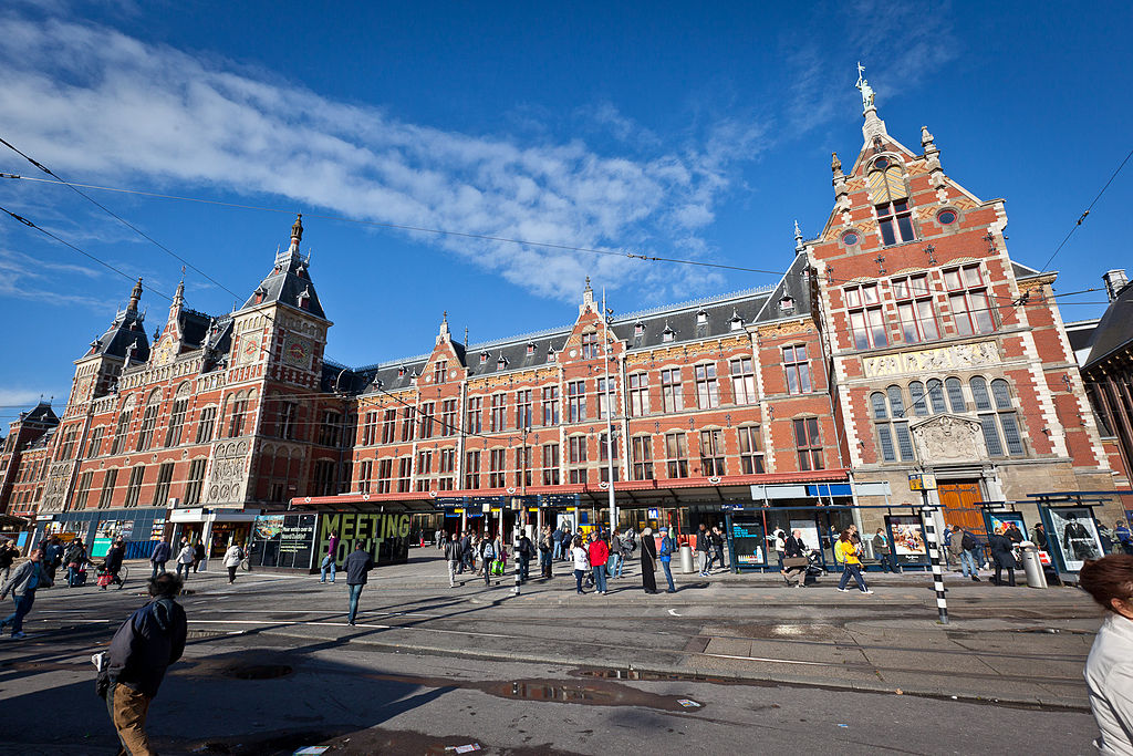 Amsterdam Centraal Railway Station B B Mnque A Home